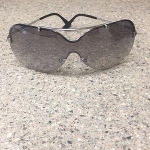 Never worn Tom Ford sunglasses